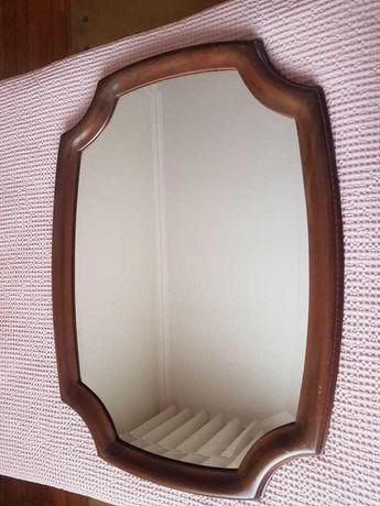 Espelho - moldura em madeira