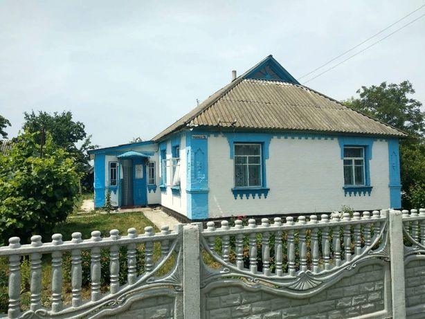 Продається будинок у видатному селі БУКИ