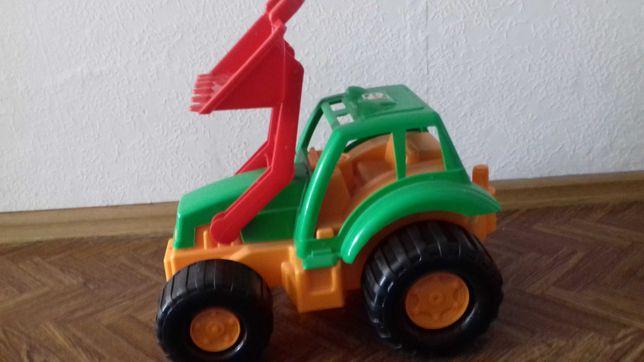 Продам большой трактор Орион без дефектов