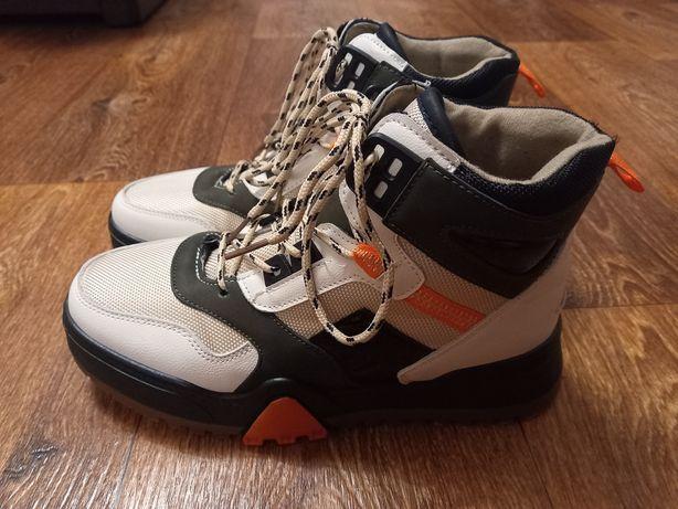 Кроссовки-ботинки женские