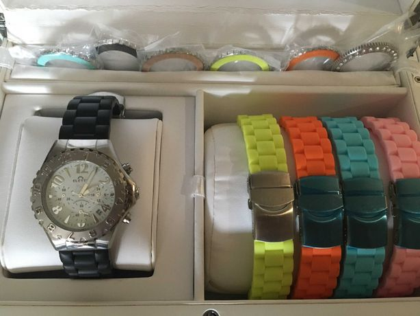 Relógio Eletta com caixa e braceletes