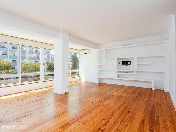 Apartamento T2 para venda na Quinta do Marquês, Oeiras