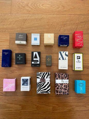 Várias mostras de perfume e extratos