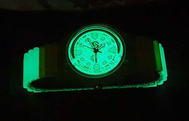 Relogio Swach fluorescente