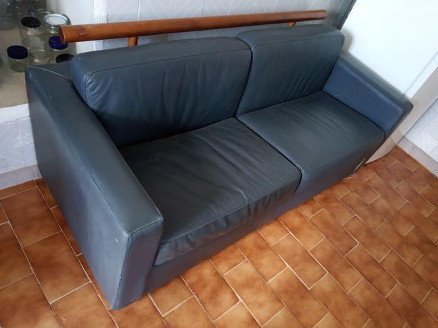Sofá azul de napa