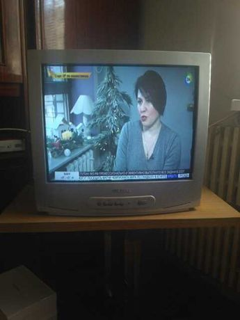 Телевизор SAMSUNG диагональ 52 см  2000р