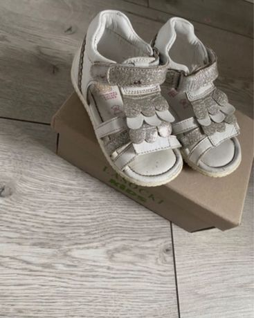 Sandalki Lasocki 22