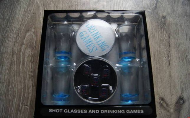 Gra - Shot glasses and drinking games