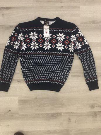 Тёплый свитер для подростка