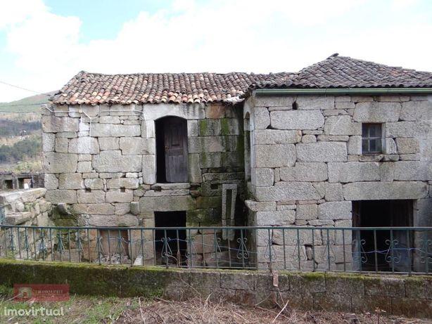 Casa Rústica em Escoureda, Vila Real