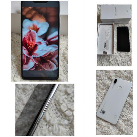 Смартфон Huawei P Smart Plus 4/64 GB White в отличном состоянии