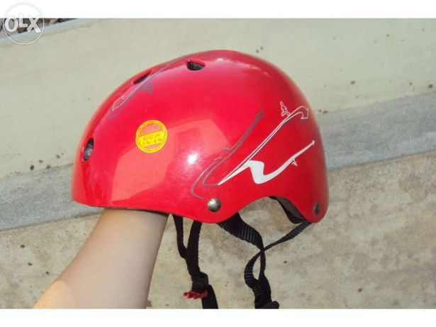 Capacete vermelho com ajustador (48-52cm) - Decathlon