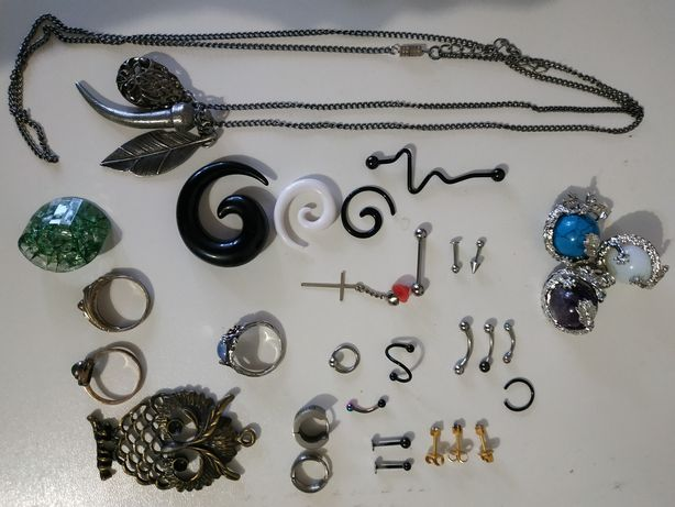 Бижутерия, серьги для пирсинга, кольца серебрянные, растяжки, кулон