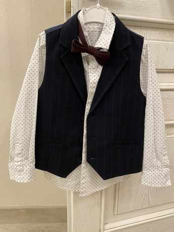 Рубашка,жилет и галстук-бабочка Next на 4-5 лет(110)