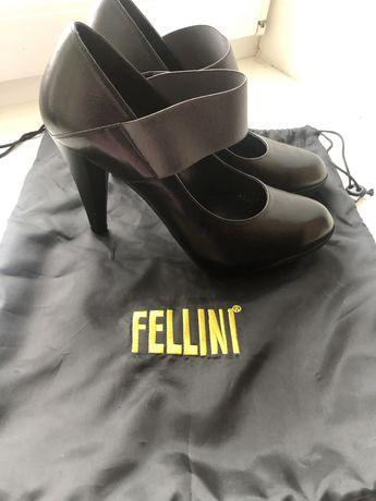 Туфли Fellini женские