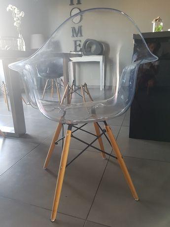 Krzesla transparentne