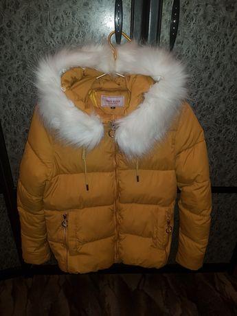 Продам курточку женскую