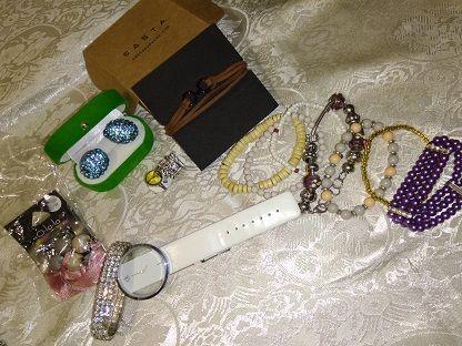 пакет бижутерии,Женские украшения,цепочки и тд,браслеты,кольца,серьги,