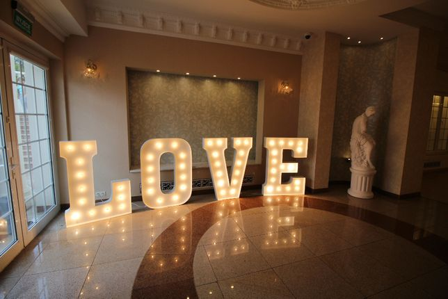 Napis litery Love na wesele Olsztyn