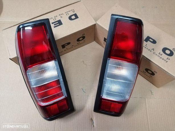 Farolins de trás Nissan Pickup Navara D22 NOVOS