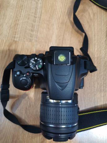 Nikon D3500 + dodatki mały przebieg