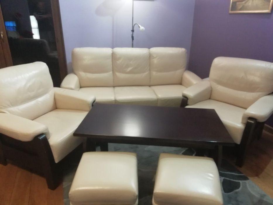 Skórzana sofa fotele pufki i ława Toruń - image 1