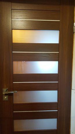 Drzwi  w rozmiarze 70 i 90