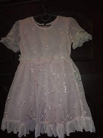 Нарядное платье 5-6 лет