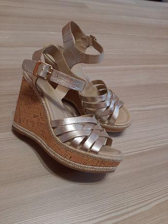 Золотые блестящие туфли босоножки кожаные, р. 36