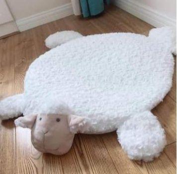 Mata dla dziecka owieczka.