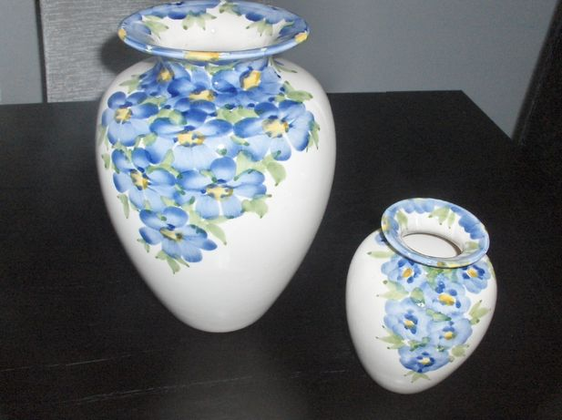 Jarras flores azuis