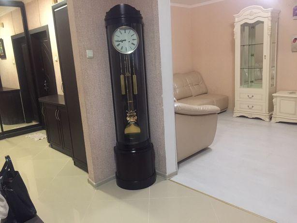 Продам отличную 3 комнатную квартиру на Пчелки 4 с ремонтом и мебелью