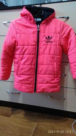 куртка adidas холодная осень р. 116 как новая!