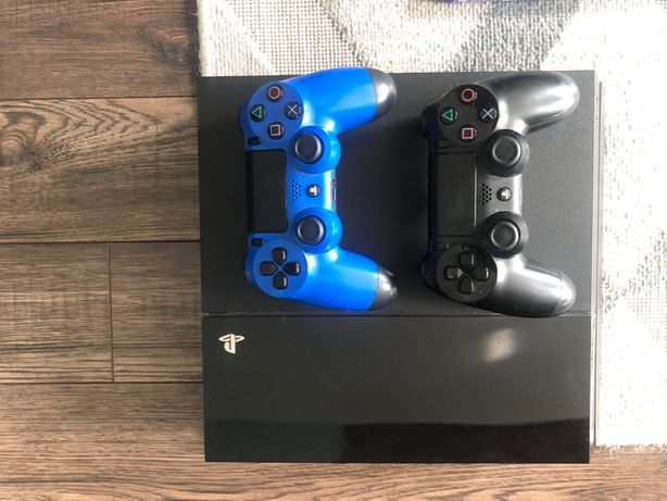 Konsola Playstation 4 500gb PS4. Dwa pady+gry.