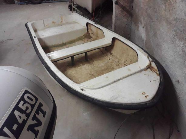 Barco a remos auxiliar