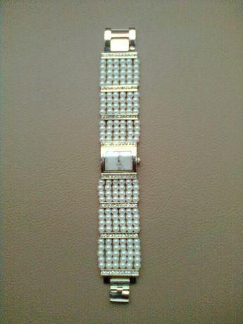 часы женские наручные,новые ,механизм японский,браслет каталог