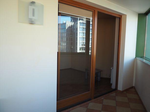 Drewniane Okno (207x133) i przesuwne drzwi (245x245) balkonowe +rolety