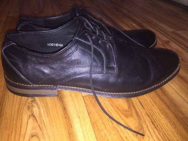 Мужские кожаные туфли Violes 45 размер 29 см. по стельке.