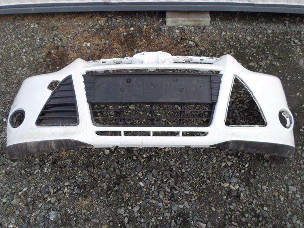 Ford Focus MK4 2013 rok - zderzak przód