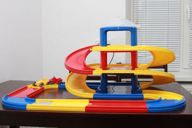 Игровая дорога из 3-ох этажей для 2-х машинок