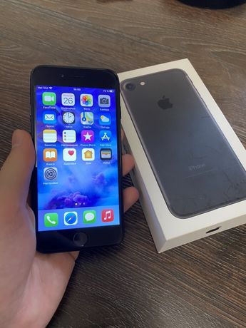 iPhone 7 32GB Black с оф.гарантией и коробкой