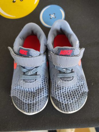 Tennis Nike cinza