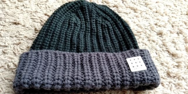 Новая мужская шапка CRAFTED