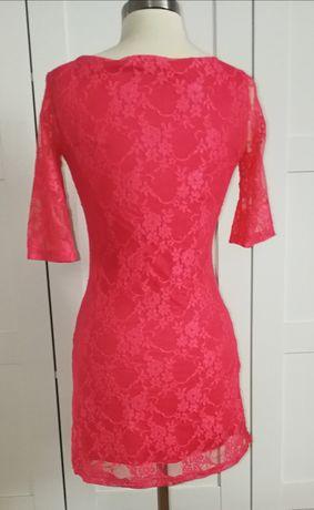 Różowa sukienka mini, różowa koronka