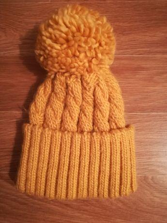 Продам шапку жёлтого цвета