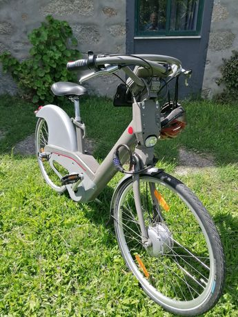 Bicicleta eléctrica bivalente