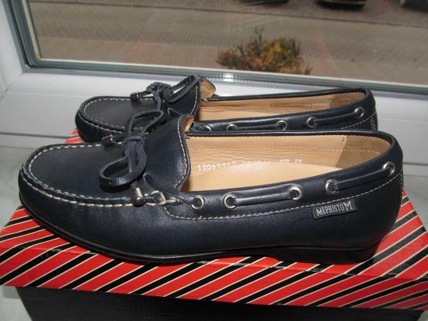 фірмові шкіряні туфлі розмір 23.5см.