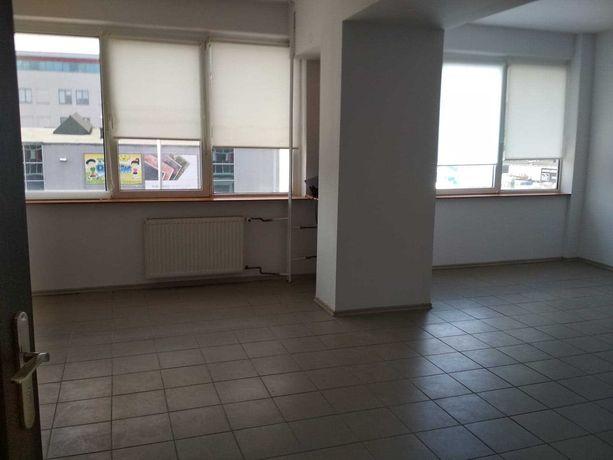 Do wynajęcia Lokal biurowo - usługowy o pow. 36 m2 w C.H Respan
