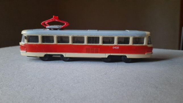 Продаю трамвай металл