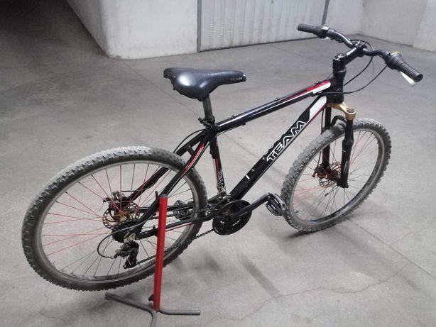 Bicicleta Btt roda 26 travão disco